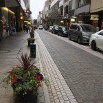 ケイ山田ガーデニングスクール生 横浜山手ガーデニング倶楽部協賛『花と器のハーモニーin Motomachi』」でショッピングストリートのフラワーコンテナと3丁目ディスプレイ装飾。また、寄植えワークショップも開催されます。会場:横浜元町ショッピングストリート 会期:6月2日(土)~10日(日)